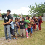 kuki playing with the tinoto kids in gensan for jo